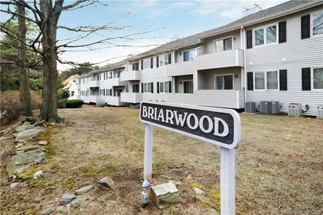 Condo Home Sold in Bridgeport CT 06610. Ranch house near waterfront.