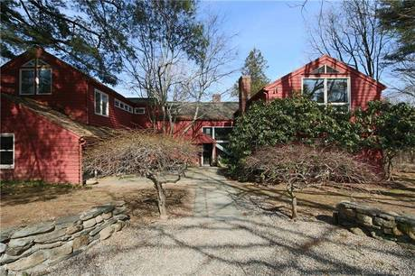 Foreclosure: Single Family Home Sold in Weston CT 06883. Old colonial house near waterfront with swimming pool and 3 car garage.