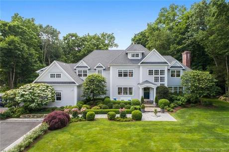 Luxury Single Family Home Sold in New Canaan CT 06840. Colonial house near waterfront with 3 car garage.