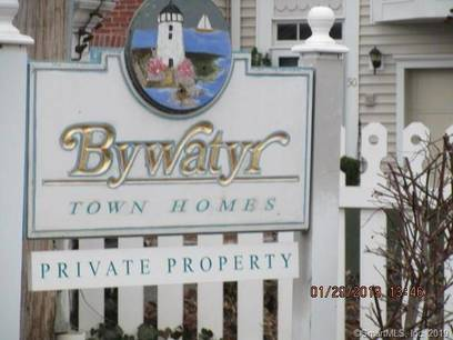 Foreclosure: Condo Home Sold in Bridgeport CT 06605.  townhouse near beach side waterfront with 1 car garage.