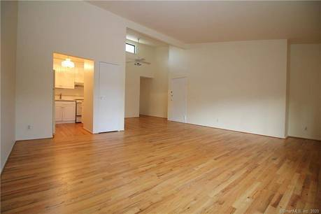 Condo Home Rented in Ridgefield CT 06877. Contemporary house near waterfront with swimming pool.