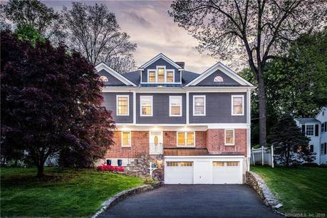 Single Family Home Sold in Stamford CT 06906. Colonial house near waterfront with 2 car garage.