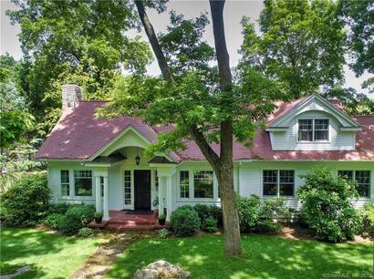 Single Family Home Sold in Darien CT 06820. Old  cape cod house near beach side waterfront with 1 car garage.