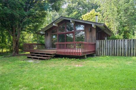 Foreclosure: Single Family Home Sold in Bethel CT 06801. Contemporary, ranch house near lake side waterfront with 1 car garage.