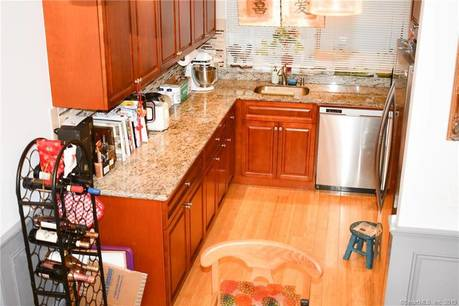 Condo Home Sold in Norwalk CT 06854.  townhouse near waterfront.