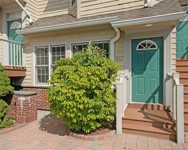 Condo Home Sold in New Canaan CT 06840. Ranch townhouse near waterfront.