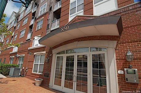 Condo Home Sold in Stamford CT 06902.  house near beach side waterfront with 2 car garage.