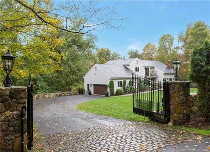 Single Family Home Sold in Stamford CT 06902. Contemporary house near waterfront with 2 car garage.