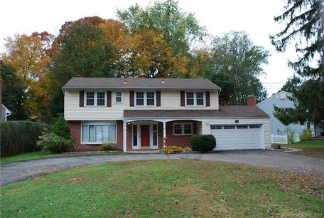 Single Family Home Sold in Stamford CT 06905.  house near waterfront with 2 car garage.