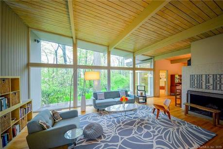 Single Family Home Sold in Stamford CT 06903. Contemporary, ranch house near waterfront with 2 car garage.