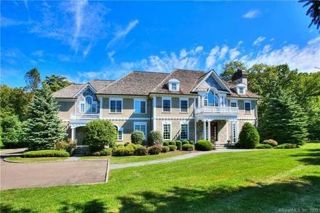 Mansion Sold in Fairfield CT 06824. Big colonial house near beach side waterfront with swimming pool and 3 car garage.