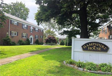 Cooperative Home Sold in Stamford CT 06902. Ranch house near waterfront.