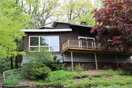 Single Family Home Sold in Danbury CT 06810. Contemporary house near beach side waterfront.