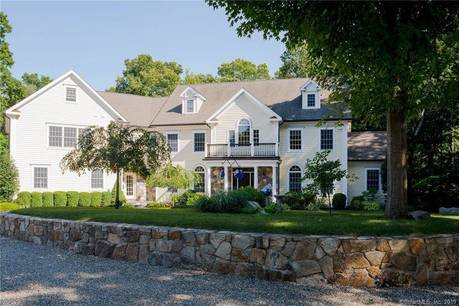 Single Family Home Sold in Wilton CT 06897. Colonial house near waterfront with 3 car garage.