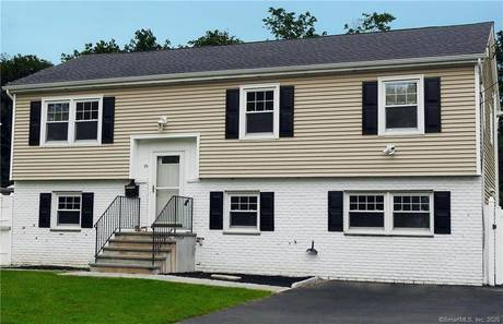 Single Family Home Sold in Stamford CT 06906. Ranch house near waterfront.
