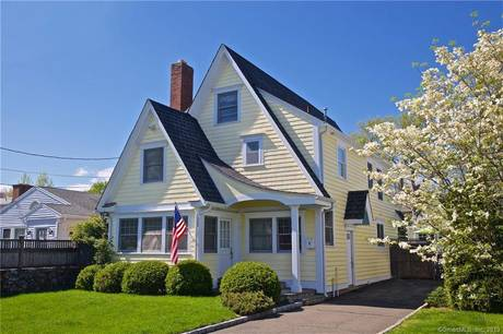 Single Family Home Sold in Norwalk CT 06855. Old colonial house near beach side waterfront with swimming pool and 1 car garage.