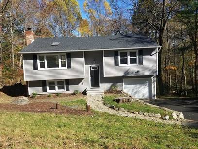Single Family Home Sold in Danbury CT 06804. Ranch house near waterfront with 1 car garage.