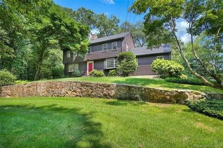 Single Family Home Sold in Greenwich CT 06807. Colonial house near waterfront with 2 car garage.