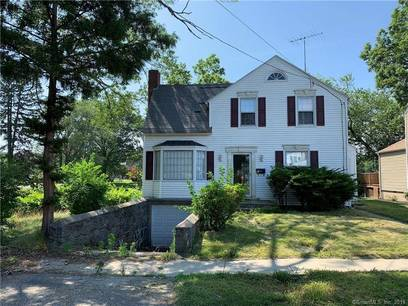 Single Family Home Sold in Stratford CT 06614. Old colonial house near waterfront with 1 car garage.