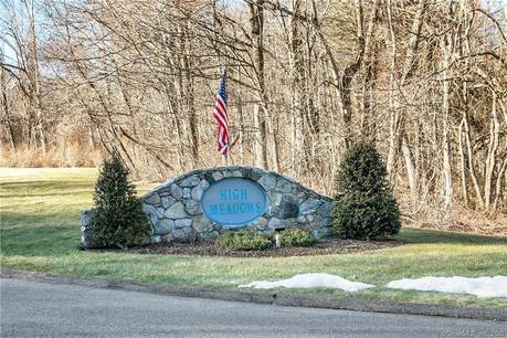 Condo Home Sold in Monroe CT 06468. Ranch house near waterfront.