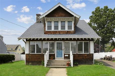 Single Family Home Sold in Norwalk CT 06855. Old colonial house near beach side waterfront with swimming pool.