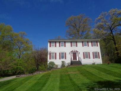 Foreclosure: Single Family Home Sold in Danbury CT 06811. Colonial house near waterfront with 2 car garage.