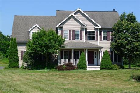 Foreclosure: Single Family Home Sold in Newtown CT 06482. Colonial house near waterfront with 2 car garage.