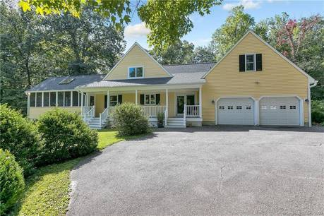 Single Family Home Sold in Easton CT 06612. Colonial house near lake side waterfront with 3 car garage.