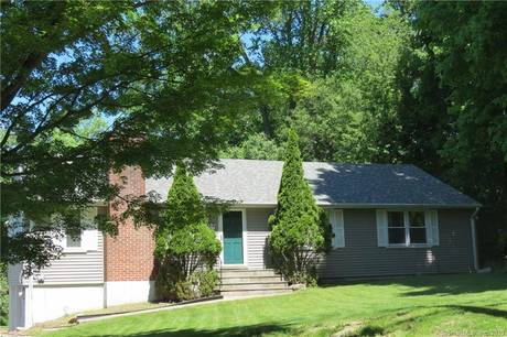 Single Family Home For Rent in Norwalk CT 06851. Ranch house near beach side waterfront with 2 car garage.