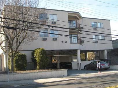 Condo Home Sold in Stamford CT 06907. Ranch house near waterfront with 1 car garage.
