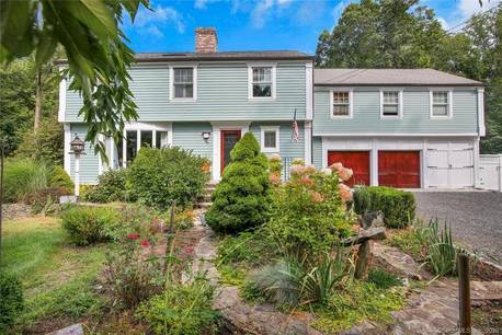 Single Family Home Sold in Trumbull CT 06611. Colonial house near river side waterfront with 3 car garage.