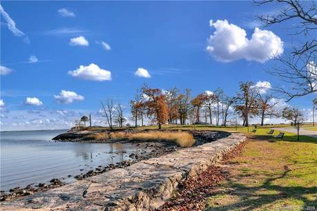 Condo Home Sold in Stamford CT 06902.  house near beach side waterfront with 1 car garage.