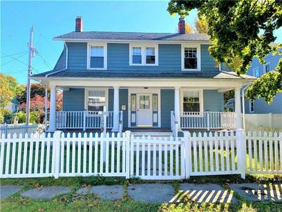 Foreclosure: Single Family Home Sold in Stratford CT 06615. Old colonial house near waterfront with 2 car garage.