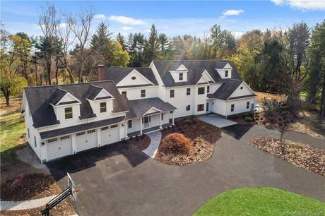 Mansion Sold in Wilton CT 06897. Big colonial house near waterfront with swimming pool and 3 car garage.