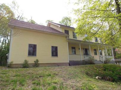 Foreclosure: Single Family Home Sold in Bethel CT 06801. Colonial house near waterfront with 3 car garage.