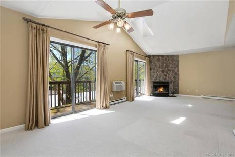 Condo Home Sold in Norwalk CT 06854. Ranch house near beach side waterfront with swimming pool and 1 car garage.