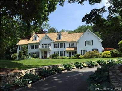 Single Family Home For Rent in Wilton CT 06897. Colonial house near lake side waterfront with 3 car garage.