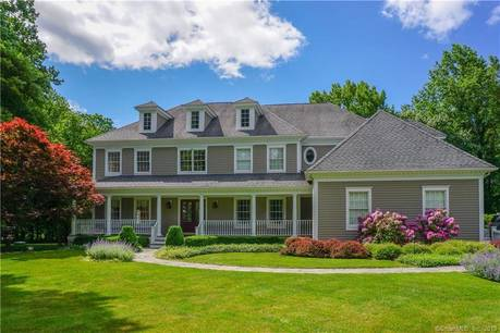 Single Family Home Sold in Ridgefield CT 06877. Colonial house near waterfront with 3 car garage.