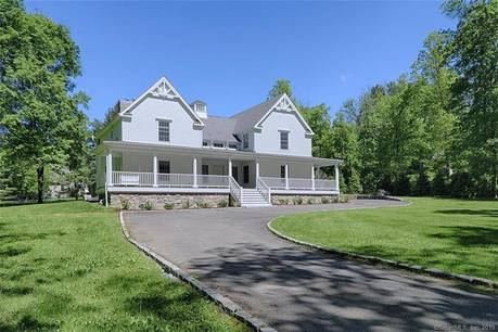 Single Family Home Sold in Weston CT 06883. Colonial house near waterfront with 4 car garage.