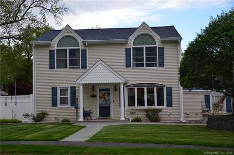 Single Family Home For Sale in Stamford CT 06907. Colonial house near waterfront with 1 car garage.