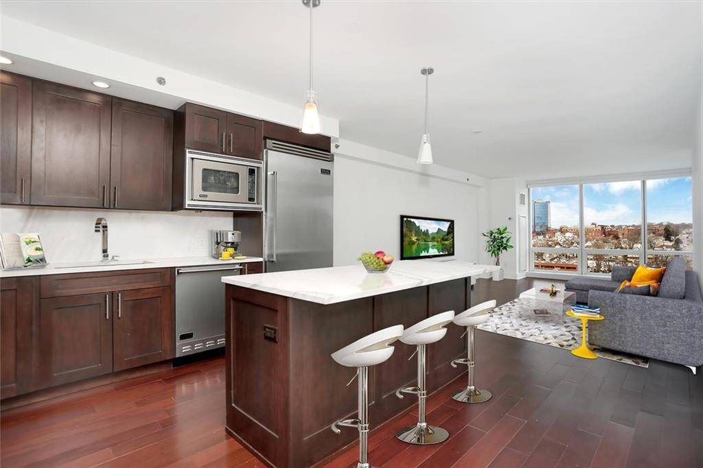 Condo Home Sold in Stamford CT 06901.  house near beach side waterfront with swimming pool and 2 car garage.