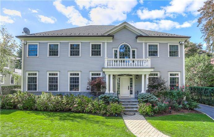 Luxury Single Family Home Sold in Greenwich CT 06870. Colonial house near beach side waterfront with 2 car garage.