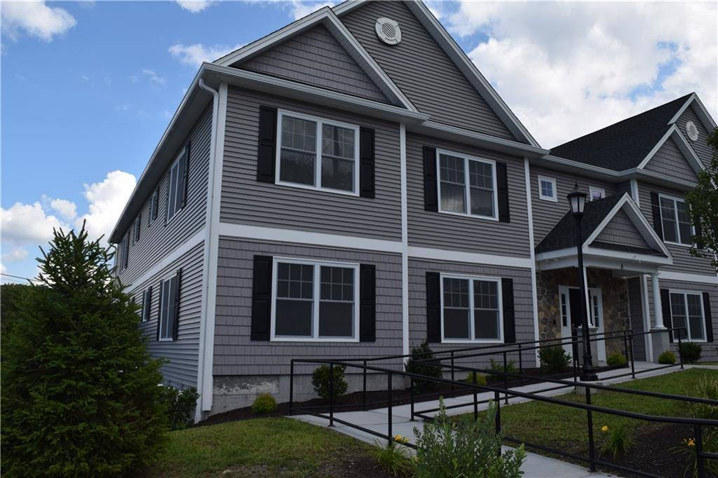 Multi Family Home Rented in Danbury CT 06810. Colonial house near waterfront.