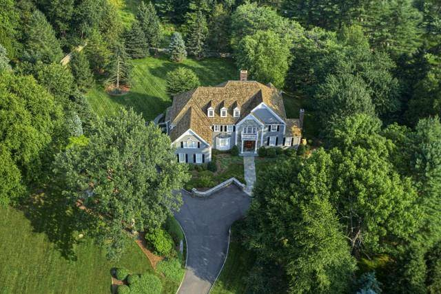 Mansion Sold in Wilton CT 06897. Big colonial house near river side waterfront with 3 car garage.