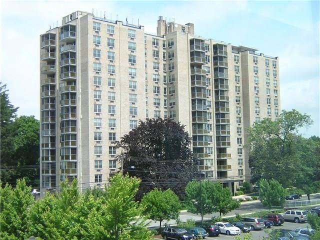 Condo Home Sold in Stamford CT 06902.  house near waterfront with 1 car garage.