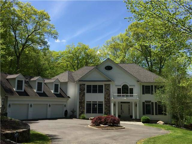Single Family Home Sold in New Fairfield CT 06812. Contemporary, colonial house near waterfront with 3 car garage.