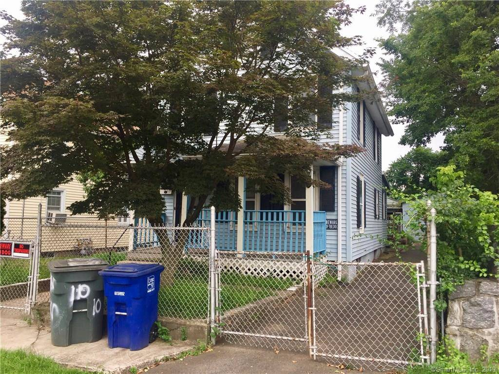 Single Family Home Sold in Bridgeport CT 06605. Old colonial house near waterfront with 2 car garage.