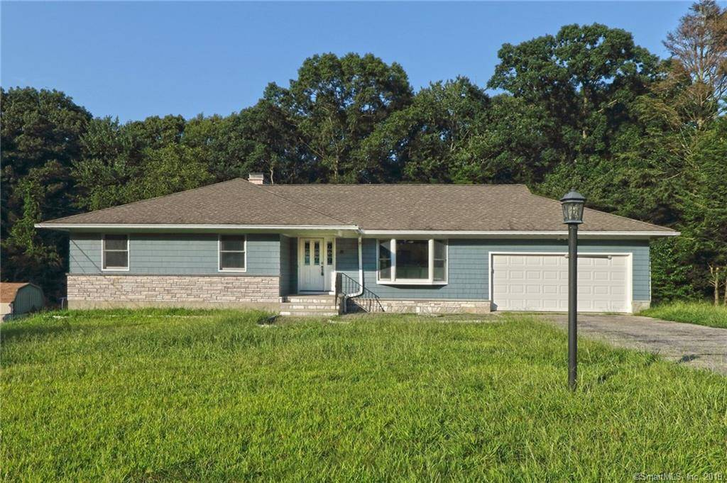 Foreclosure: Single Family Home Sold in Trumbull CT 06611. Ranch house near waterfront with 2 car garage.