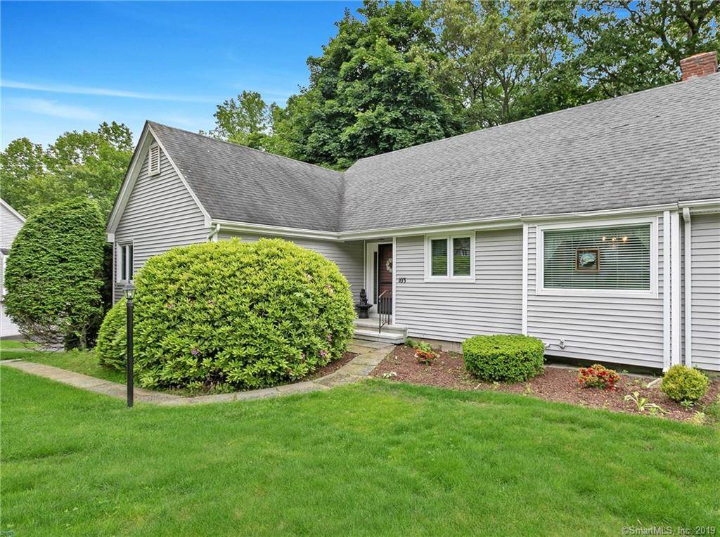 Condo Home Sold in Shelton CT 06484. Ranch house near waterfront with 1 car garage.