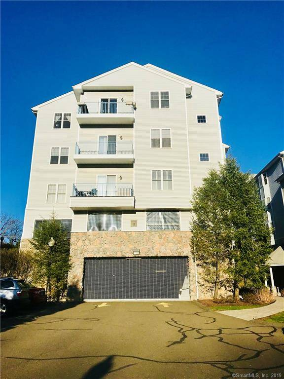 Condo Home Sold in Norwalk CT 06854.  house near river side waterfront with 2 car garage.